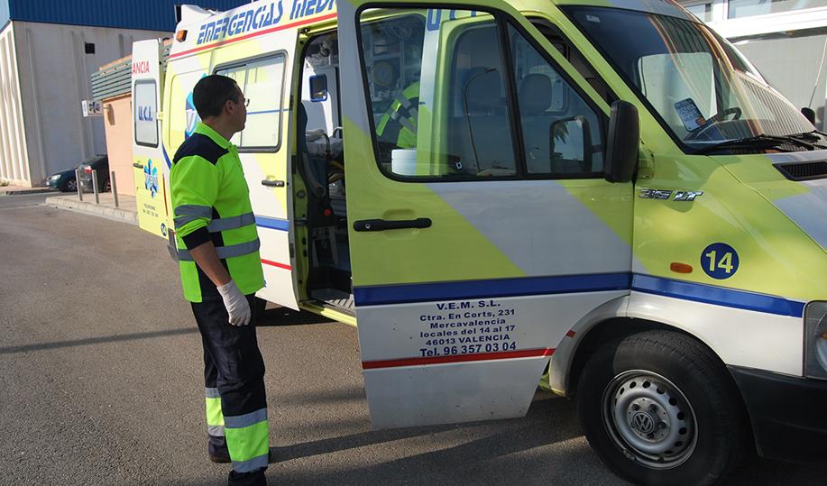 Auxiliar transporte sanitario